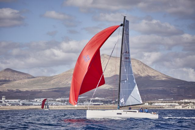 2015-rtr-Aloha-start-Lanzarote-photo-rorc-jamesmitchell